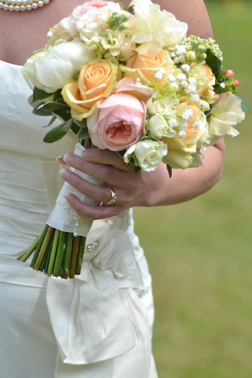 Apricot Rose Bouquet